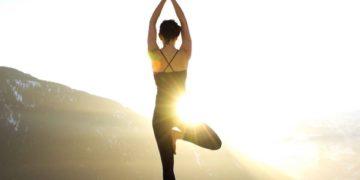 Йога. Самое простое упражнение для осанки